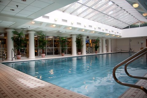 Washington Furnished Apartment Swimming Pool