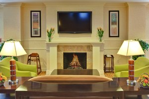 Lobby - Holiday Inn Express Hotel & Suites Porterville