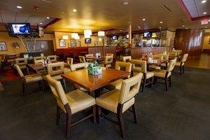 Restaurant - Holiday Inn Summit Frisco