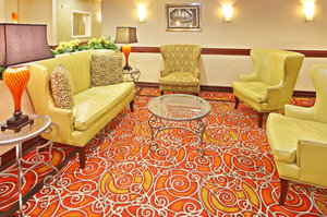 Lobby - Holiday Inn Express Hotel & Suites Shreveport