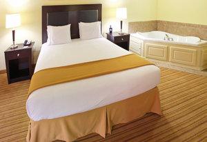 Suite - Holiday Inn Express Hotel & Suites Shreveport
