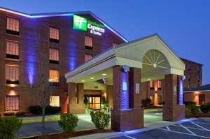 Exterior view - Holiday Inn Express Hotel & Suites Largo