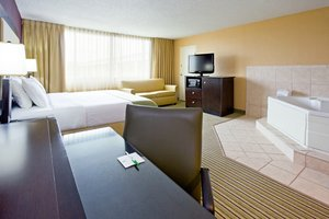 Suite - Holiday Inn Hotel & Suites Parsippany