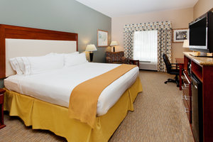 Room - Holiday Inn Express Hotel & Suites Baton Rouge