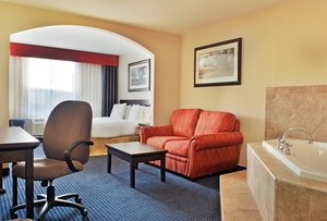 Suite - Holiday Inn Express Hotel & Suites Edson