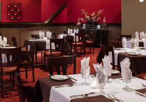 Restaurant - DoubleTree by Hilton Hotel Airport Miami