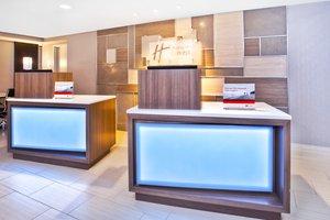 Lobby - Holiday Inn Express Waltham