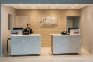 Lobby - Holiday Inn Express Hotel & Suites Norwood