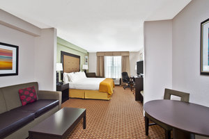 Suite - Holiday Inn Express Hotel & Suites Harrington