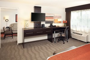 Suite - Holiday Inn Airport Newark