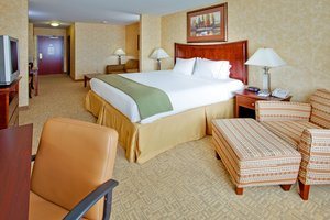 Room - Holiday Inn Express Hotel & Suites Airport Bethlehem