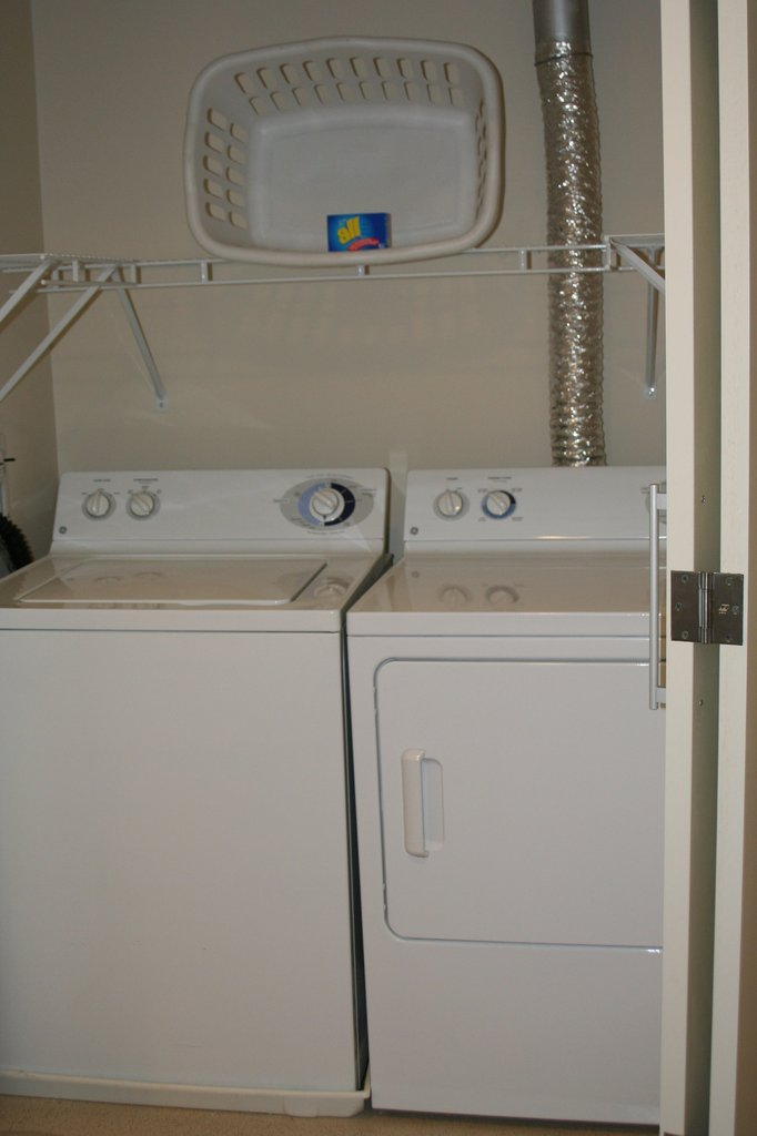 Hartford Furnished Apartment Laundry