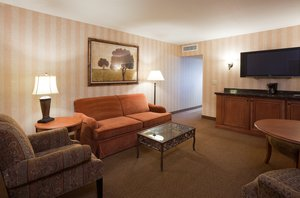 Suite - Holiday Inn Hotel & Suites Lakeville