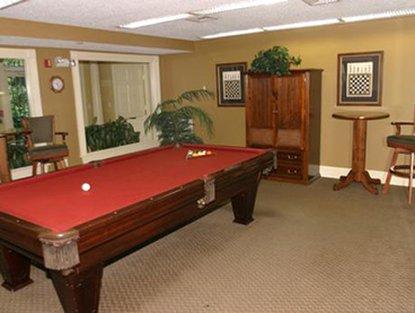 Stamford Furnished Apt Billiards