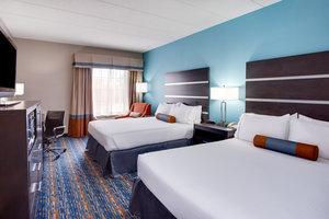 Room - Holiday Inn Express Hotel & Suites Largo