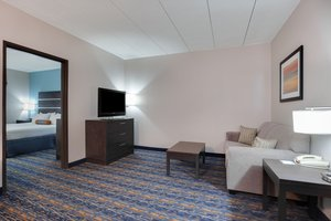 Suite - Holiday Inn Express Hotel & Suites Largo