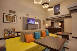 Lobby - Holiday Inn Express Hotel & Suites Largo