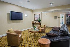 Lobby - Candlewood Suites Windsor Locks