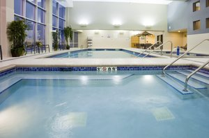 Pool - Holiday Inn Express Hotel & Suites Mankato