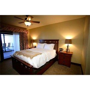 Room - Chase on the Lake Resort Walker