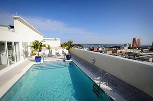 Pool - Hotel Indigo River District Fort Myers