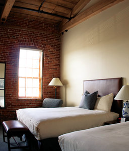 Room - Cork Factory Hotel Lancaster
