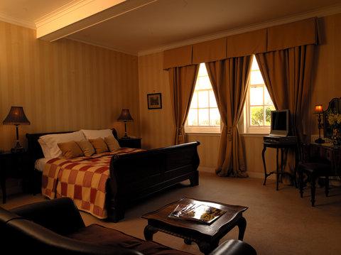 Guest Room-Churchill