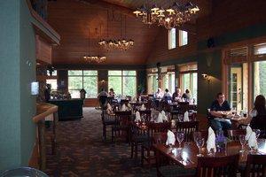 Restaurant - Pyramid Lake Resort Jasper