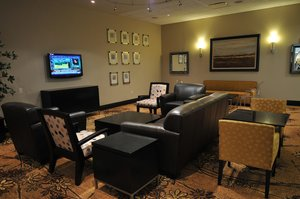 Lobby - DoubleTree by Hilton Hotel Convention Center Monroeville