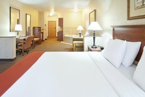 Room - Holiday Inn Express Hotel & Suites Barstow