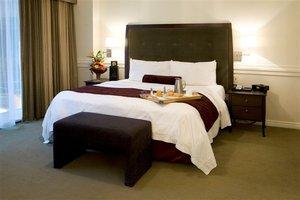 Room - Delta Hotel by Marriott Edmonton Centre Suites