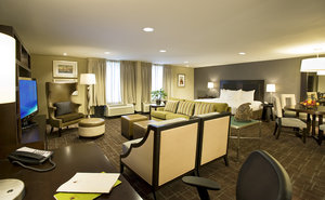 Suite - DoubleTree by Hilton Hotel BWI Airport Linthicum