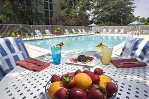 Pool - DoubleTree by Hilton Hotel BWI Airport Linthicum