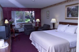 Room - Fireside Inn & Suites Portland