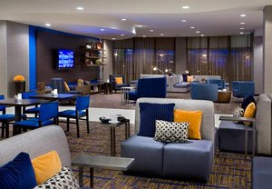 Bar - Courtyard by Marriott Hotel Brampton