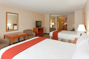 Suite - Holiday Inn Express Hotel & Suites Kent