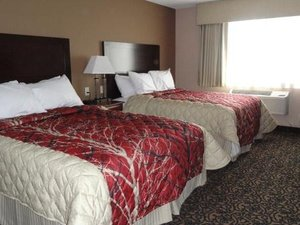 Room - Canby Inn & Suites