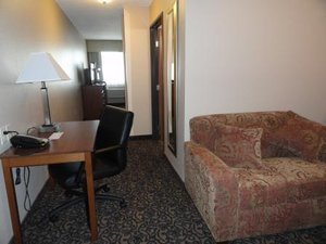 Suite - Canby Inn & Suites