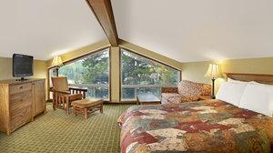 Room - Pyramid Lake Resort Jasper