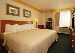 Room - Fairbridge Inn & Suites Leavenworth