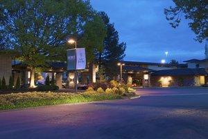 Exterior view - Valley River Inn Eugene