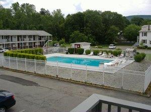 Pool - Pilgrim Inn Lee