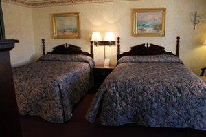 Room - Pilgrim Inn Lee