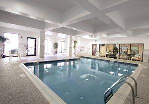 Pool - Courtyard by Marriott Hotel Newark