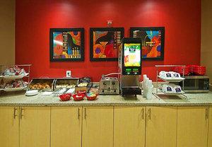 Restaurant - TownePlace Suites by Marriott Gonzales