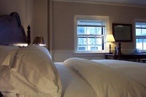 Room - Hotel 340 Saint Paul