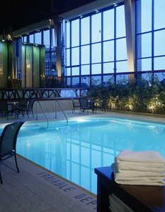 Pool - Delta Hotel by Marriott Airport Calgary