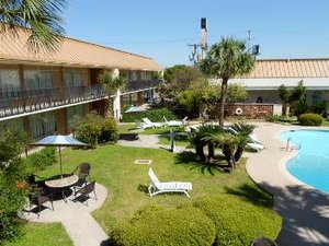 Pool - Extend A Suites San Antonio