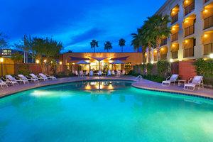 Pool - Moxy Hotel by Marriott Tempe