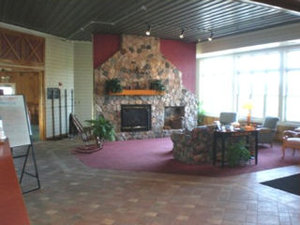 Lobby - HomeTown Inn & Suites Belle Plaine